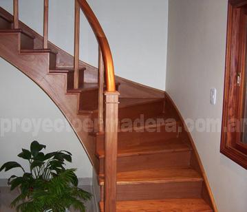 escaleras y barandas de madera