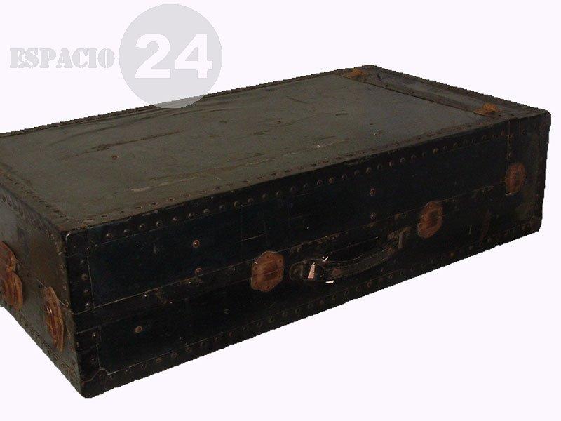 Comprar Baúlr, placard de madera interior con perchero metálico móvil doble