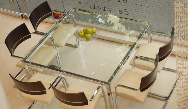 Comedor con mesa de vidrio comprar en