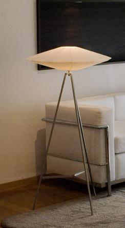 Comprar Lámpara modelo plato de pie