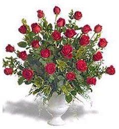 Florero De Ceramica Con Rosas Rojas Importadas Comprar En