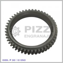 Pinion for traction engines of electrotrains