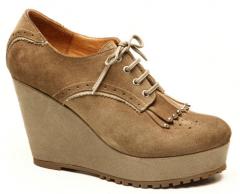 Zapatos altos con plataformas