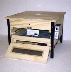 Incubadora para 65 huevos modelo E 65 horizontal