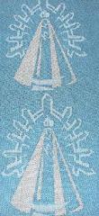 Bufandas y chales con la imagen tejida de la Virgen de Luján