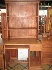 Mesa para PC con biblioteca