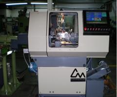 Torno automático CNC