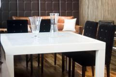 Mesa Comedor Lustrada con Marmol