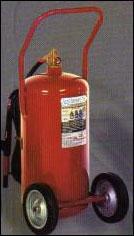 Extintor a base de agua y a base de AFFF.