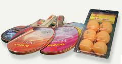 Raquetas y pelotas