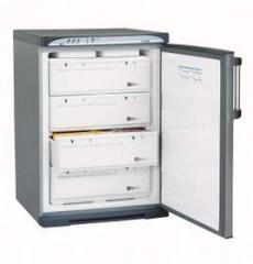 Freezer Kon-i-Noor vertical cuatro cajones