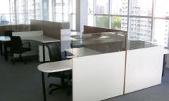 Los muebles para oficinas y la plantilla