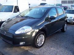 Automóvil Fiat Punto Attractive