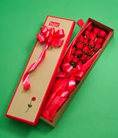 Caja de 18 rosas