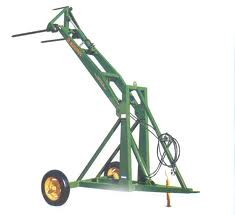 Auger type fish elevator