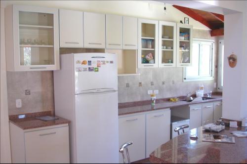 Fabricación de muebles de cocina empotrados y equipo a medida