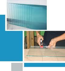 Suministro e instalación de espejos, montaje de cristal