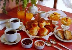 Servicio de desayuno en la cabaña.
